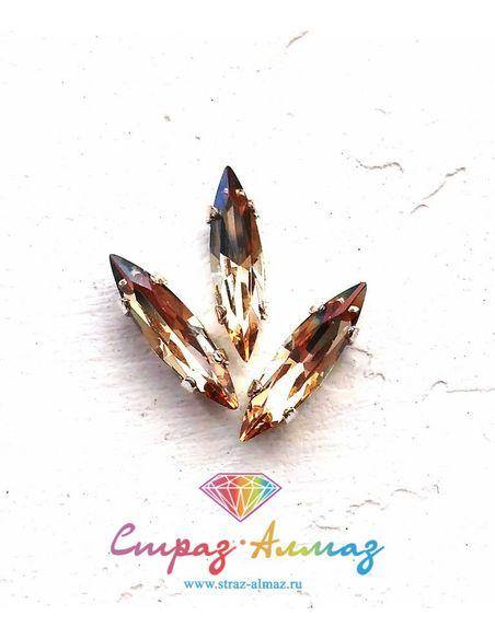 Сфинкс в серебристых цапах качество люкс 4х15 мм., цвет 140, голден шэдоу